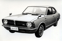 70年5月、カローラがフルモデルチェンジを受けた際にカローラ・シリーズから独立した「トヨタ・スプリンター」。これは高性能版の「1200SL」。