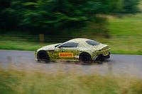 アストンマーティンの新型スポーツカー、欧州でスパイショット公開の画像