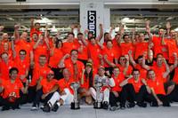 ジェンソン・バトンは、タイヤをいたわりながら、ここぞという時に強さをみせる、実にバトンらしい勝ち方で今季3勝目を飾った。マクラーレンに移籍して2年、34戦して5勝目。なんとフルドライレースとしては移籍後初優勝となる。(Photo=McLaren)