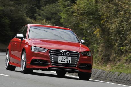 「アウディA3セダン」の高性能モデル「S3セダン」に試乗。280psの2リッター直4ターボエンジンとクワトロ4WD...