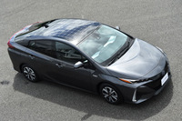 4代目の「プリウス」や燃料電池車の「ミライ」と同時進行で開発された、2代目「プリウスPHV」。2016年3月のニューヨーク国際オートショーでデビューした。