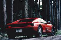 筆者にとって初めてのフェラーリとなった「348tb」。