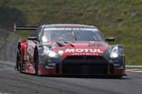No.23 MOTUL AUTECH GT-R(写真)と、No.46 S Road REITO MOLA GT-Rのミシュランタイヤ装着車が、予選から強さを見せつけた。