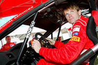エースドライバーのマーカス・グロンホルム。1968年生まれのフィンランド人。2000年、02年のラリーチャンピオンである。