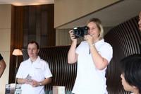 香港での試乗会から。参加者には、試乗風景を撮影するインスタントカメラが手渡された。