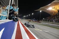 4戦して3勝、チャンピオンシップでは2位ロズベルグに1勝分以上の27点差をつけたハミルトン。勝利を続けた昨年後半からの勢いをそのままに、序盤のフライアウェイ4戦を終えた。(Photo=Mercedes)