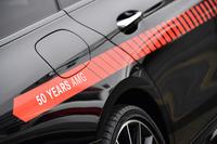 走行用のクルマを飾る「50 YEARS AMG」の文字。AMGの誕生は1967年のことで、今年で50周年を迎える。