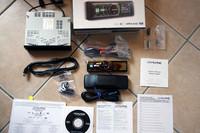 欧州仕様アルパイン「iDA-X300」と別売のiPodケーブル。