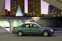 2006年、日本にディーゼル乗用車が登場「Eクラス」のセダン&ワゴンを予定の画像