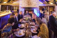 前夜祭で振る舞われたディナー。食事を通じたオーナー同士の交流も、イベントの楽しみのひとつだ。