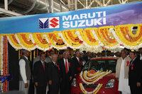 スズキはライバルに先駆けて1980年代にインドの自動車市場に参入している。写真は2007年に行われた新工場開所式の様子。