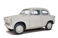 1955年に登場したスズキ初の四輪にして軽自動車である「スズライトSF」。16psを発生する空冷2ストローク2気筒エンジンで前輪を駆動した。当時国産の自動車用でもっとも小径だったという16インチのホイール/タイヤが目立つ。このセダンのほかにハッチバッククーペ風のライトバンとピックアップもあった。