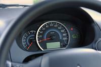 「M」と「G」にはタコメーターが付く。エコ運転を心がけるとレベルゲージが増えていく「ECOドライブアシスト」メーターも用意される。