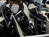 アパレル関連の商品にも力を注ぐ同社だけに、ブースではスリッパやクッション、キーホルダーなども販売されていた。