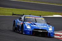 こちらはクラス2位のNo.12 カルソニックIMPUL GT-R(安田裕信/J.P・デ・オリベイラ組)。2014年に続く、第2戦富士の2連覇はならず。
