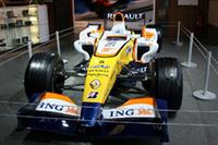 ルノーの2008年型F1マシン「R28」も短期間ながら紹介された。