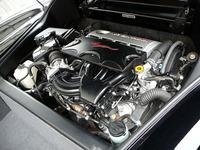 3.3リッターV6エンジンと5段オートマチックトランスミッションはトヨタから供給される。