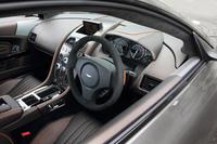 インテリアは豊富に用意された色やパネル、表皮素材を使い、ダッシュボードやルーフライニング、ドアトリム、シートなどをコーディネートすることができる。