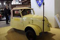 第二次大戦中のガソリン欠乏期、プジョーが開発したミニ電気自動車。郵便配達に使われた。