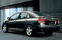 トヨタの新型「ベルタ」デビュー、「ヴィッツ」ベースの4ドアセダンの画像