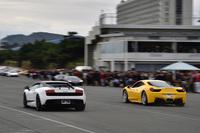 愛車の「フェラーリ458イタリア」と「ランボルギーニ・ガヤルド スーパーレジェーラ」との加速対決。(写真=池之平昌信)