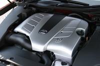 「GS430」が搭載するエンジンは、「セルシオ」などと同じ4.3リッターV8。「GS350」は、新開発の3.5リッターV6を積む。