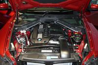 直噴の3リッター直6ツインターボエンジンは、「インターナショナル・エンジン・オブ・ザ・イヤー2008」の大賞を受賞したユニット。