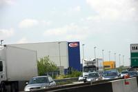 パルマにて。有名なパスタメーカー「バリッラ」の本社工場の脇を通る。