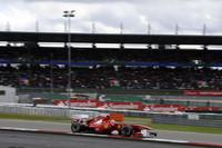 前戦イギリスGPで今季初優勝したフェルナンド・アロンソのフェラーリは、予選4位からスタートで3位に上昇。レース序盤にセバスチャン・ベッテル、中盤にはマーク・ウェバーのレッドブル勢を抜き、2位でゴールした。(Photo=Ferrari)