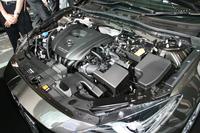 新登場の1.5リッターガソリンエンジン「SKYACTIV-G 1.5」。