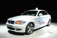 「MINI E」の次の世代のEVとして研究開発中の「BMWコンセプトアクティブE」。