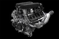 エンジンの基本設計は「ガヤルド」用と同じだが、直噴とポート噴射を組み合わせたデュアルインジェクション・システムを採用している。