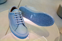 ボルボの「40」シリーズを靴になぞらえるならスニーカーだと、チーフデザイナー(当時)のトーマス・インゲンラート氏は解説した。