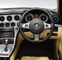 「アルファ159」に、スポーティなワゴンバージョンが発売