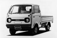 「マツダ・ニューポーターキャブ」 戦前から三輪トラックを製造していたマツダは、1950年から四輪商用車に進出する。1968年になると軽ボンネットトラックの「ポーター」を発売し、翌年にキャブオーバータイプの「ポーターキャブ」を追加。1977年に改定された軽規格に合わせ、550ccエンジンを搭載した「ニューポーターキャブ」となった。