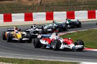 """ここのところ好調、トヨタのヤルノ・トゥルーリは、""""コミュニケーションの問題""""で不要なピットインをしてしまい、6位で終わるところが8位1点獲得に終わった。ティモ・グロックは接触などもあり11位。(写真=Toyota)"""