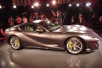 「812スーパーファスト」の0-100km/h加速タイムは、2.9秒と公表される。