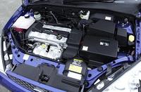 ST170自慢のパワーユニットは、吸排気効率向上のため、大型の吸/排気ポート&バルブを拡大した「ハイフローアルミシリンダーヘッド」や、連続可変バルブタイミング機構「VVT」を採用。インテークマニフォルドは、管長が変化する「可変デュアルステートインテークマニフォルド」を搭載する。