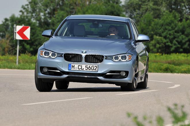 BMWアクティブハイブリッド3(FR/8AT)【海外試乗記】