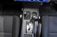 4WDシステムは、今となっては珍しいパートタイム4WD。2輪駆動「H2」、4輪高速「4H」、4輪低速「4L」の3パターンの駆動モードが設定されている。