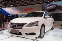 日産が中国に先行投入する新型「シルフィ」。