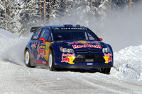 雪道を駆け抜けるライコネン。F1時代のニックネームは「アイスマン」だが、冬場の路面には悪戦苦闘!?