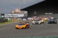 ポールポジションを獲得したのはドール・モータースポーツの66号車「マクラーレンMP4-12C GT3」。