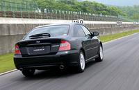 【スペック】 B42.0GT spec.B(5MT):全長×全幅×全高=4635×1730×1435mm/ホイールベース=2670mm/車重=1430kg/駆動方式=4WD/2リッター水平対向4 DOHC16バルブターボ・インタークーラー付き(280ps/6400rpm、35.0kgm/2400rpm)/車両本体価格=288.0万円