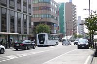 湘南台の街中を走るEVバス。これが普通の光景になる日はもうすぐ?