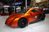 永源汽車(ジョンウェイ)が出展した3輪EVスポーツのコンセプトカー「ザップ・エイリアス」。