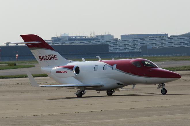 2015年4月23日、羽田空港で「ホンダジェット」が報道関係者向けに公開された。日本で実機が披露されるのは、今回が初となる。