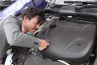 エンジンカバーには衝撃吸収素材が採用される。最高出力は190ps、最大トルクは400Nm。
