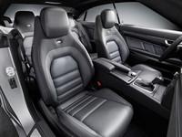 「メルセデスE350クーペ」に専用内装の特別仕様車