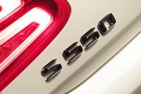 ラインナップは「S550」とAMGモデルの「S63 4MATIC」「S65」が用意される。